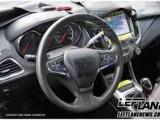 Интерьер Chevrolet Cruze. Фото с сайта leftlanenews.com